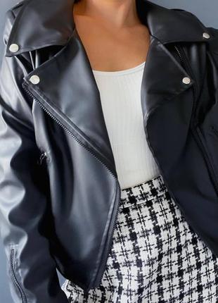 Чёрная женская косуха эко кожа