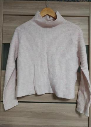 Теплый пудровый шерстяной свитер тренд воротник стойка