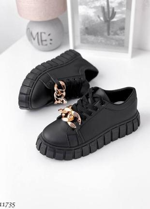 Модные черные женские кеды с декором ✨