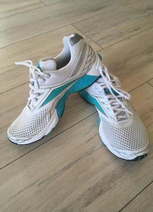 Кроссовки reebok беговые для бега 37-38 размер как новые