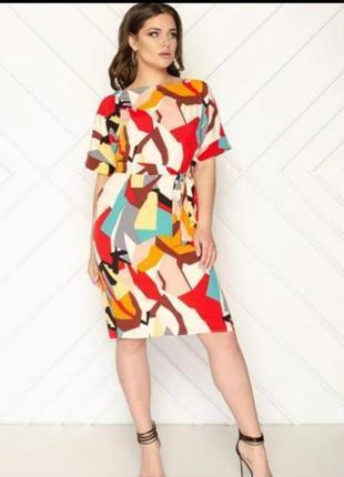 Пряме плаття з різнокольоровим принтом(прямое платье с цветным принтом)