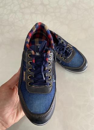 Дуже гарні спортивні туфлі
