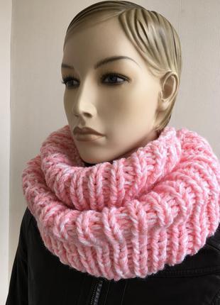 Шикарный снуд , шарф- хомут ручной работы, крупной вязки.