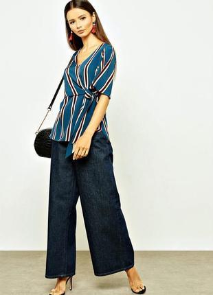 Красивая блузка в полоску завязки,короткий рукав размер 18