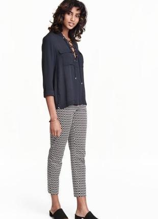 Брюки штаны с геометрическим принтом h&m