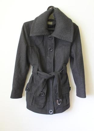 Серое базовое пальто