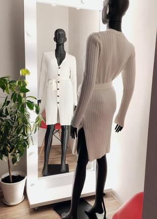 Шикарное новое👌 бежевое платье лапша вязка в рубчик на пуговицах с пояском🤍✨