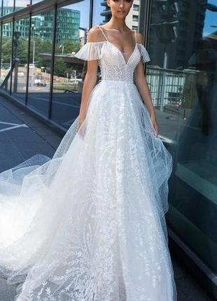 Продам весільну сукню від crystal design!)
