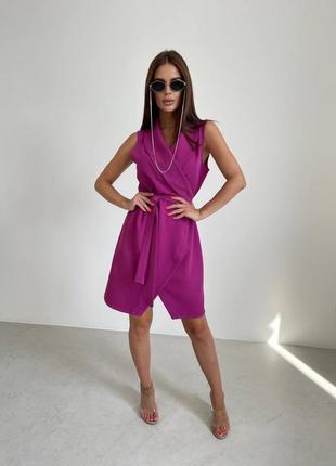 Платье на запах без рукавов