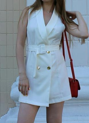 Шикарное платье трендовое мини светлое