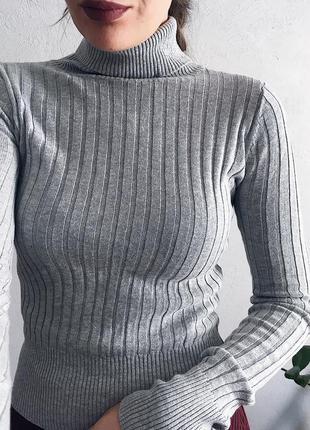 Прекрасный свитер гольф хорошего качества