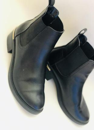 Ботинки челси на небольшом каблуке 38 размер