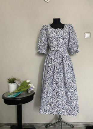 Красивое винтажное платье миди