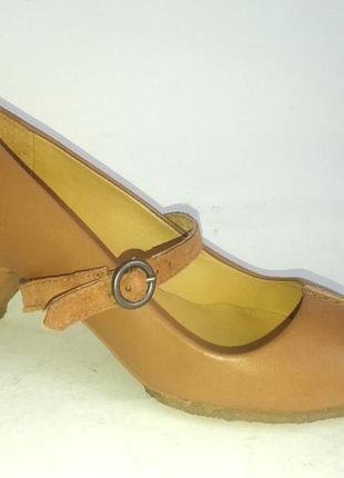 Качество туфли clarks кожа р. 36-37 узкая ножка