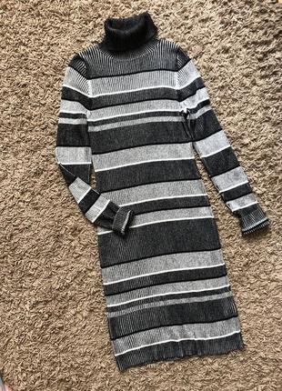 Стильне в'язане плаття гольф ,міді роз м-л