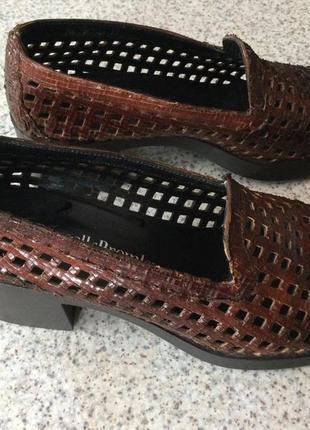 Итальянские кожаные туфли с перфорацией/38/brend russel bromley