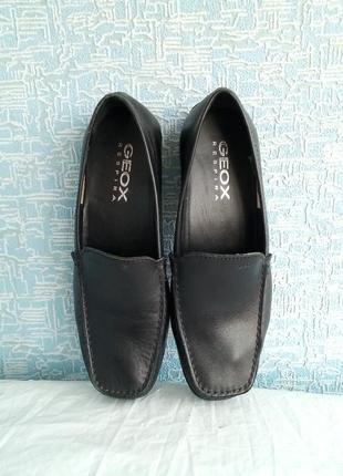 Кожаные женские туфли лоферы  мокасины  geox.
