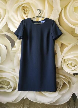 Базовое платье прямого кроя в идеальном состоянии
