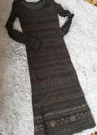 Шикарное платье из дорогого волокна