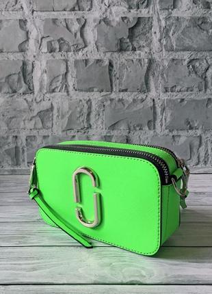 Очень яркая брендовая сумочка