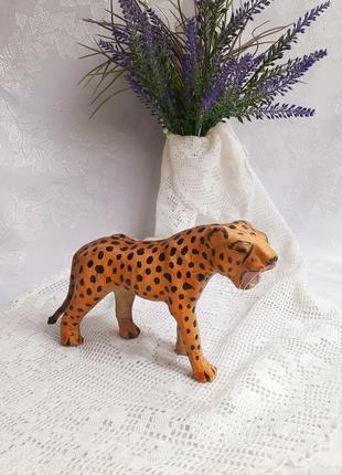 Тигр саблезубый папье маше ручная авторская работа статуэтка декоративная