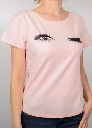 Модная фирменная женская футболка, принт глазки, цвет светлая пудра, свободный крой