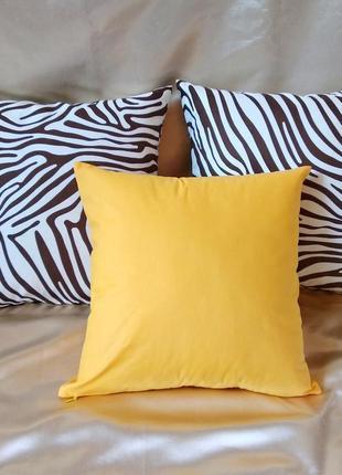 Набор  декоративных наволочек 40*40 с коричневой зеброй