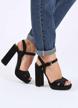 Трендовые велюровые бархатные босоножки на высоком каблуке