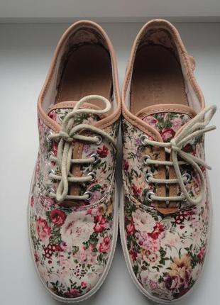 Раз.39.uk6.невесомые текстильные туфли кеды от hotter.оригинал.