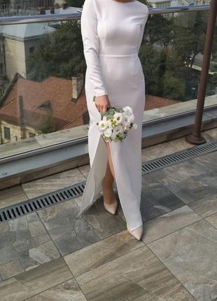 Белое платье с