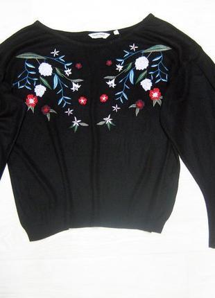 Джемпер naf naf чёрный с разноцветной вышивкой с широкими рукавами