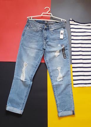 Голубые джинсы с дырками потертостями gap размер 26