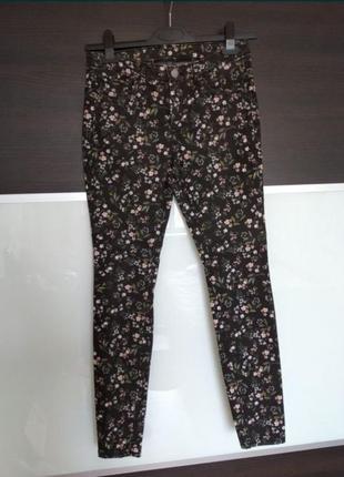 Классные джинсы скинни штаны в цветы jessica c&a
