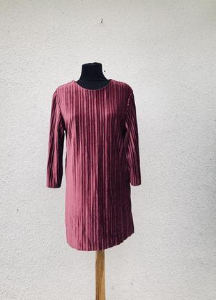 Шикарное базовое платье нарядное бархатное