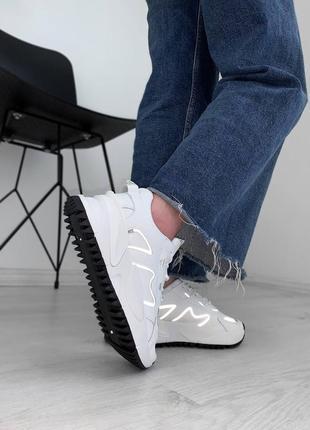 Кроссовки с рефлективними вставками