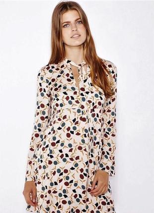 Стильное платье от испанского бренда цветочный принт
