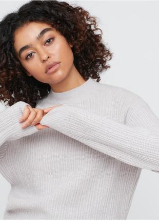 Женский свитер из легкой суффельной пряжи