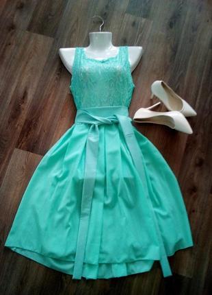 Бирюзовое платье выпускное вечернее классическое миди с фатином гипюр 46-48 размера. бренда fashion girl