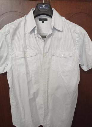 Фирменная рубашка, тенниска