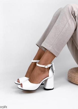 Босоножки боссоножки сандалии туфли белые натуральная кожа на высоком каблуке