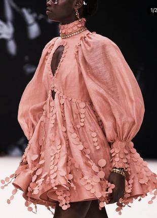 Летнее шелковое + льняное платье с лепестками в стиле zimmermann