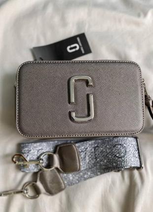 ❤ женская серебристая сумка сумочка marc jacobs snapshot silver logo  ❤