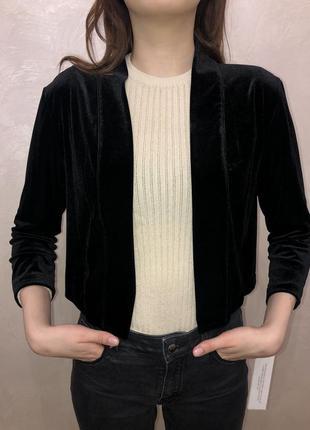 Укороченный велюровый пиджак жакет calvin klein m
