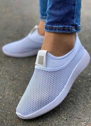 Женские летние кроссовки белые, из качественного материала сетка, лёгкие и удобные
