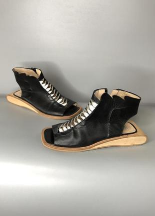 Lisa tucci trippen дизайнерские босоножки кожаные ботильоны сабо дерево owens rundholz