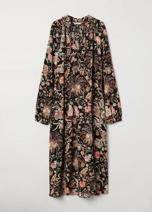 Легкое платье свободного кроя с карманами