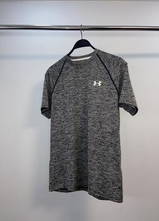 Спортивна футболка under armour
