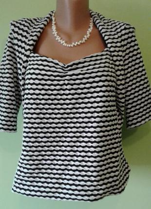 Блуза черно-белая с красивым декольте 12, 14 размер