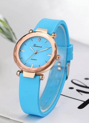 Часы голубые с силиконовым ремешком
