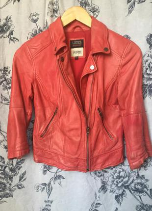 Кожаная куртка косуха  bershka натуральная кожа